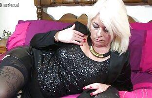 Szelet szex egy gyönyörű büvös pornó lány