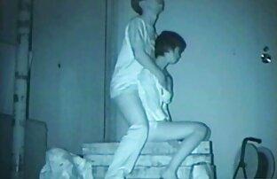 Felesége otthon a videa felnőtt filmek kanapén