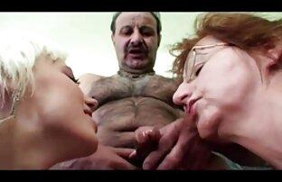 Két apa és lánya szex tag szorzása egy lyukban