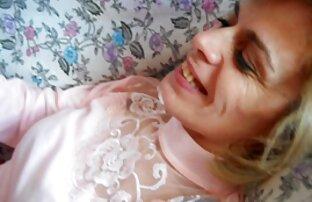 Cumshot az ágyban