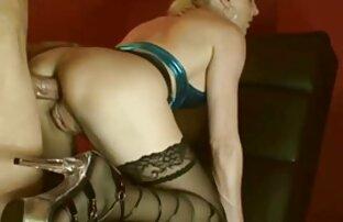 Számolja az porno letoltes ingyen ízletes a nyilvános WC-ben