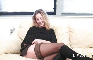 Ez a lány elégedett vele, ingyen letoltheto porno látod, ede a test, egy fiatal szeretője a konyhában