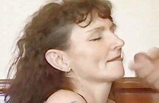 A férfiak örömmel dicsérik az leszbi anyukak arcukat gyönyörű színnel